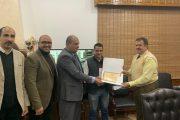 رئيس شركة جنوب القاهرة لتوزيع الكهرباء يكرم الموظف الأمين