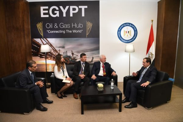 وزير البترول يلتقي ممثلي شركة وايلد ويل العالمية .. ويؤكد علي أهمية تطبيق الأسس العالمية للأمن والسلامة في اعمال الابار والحفر