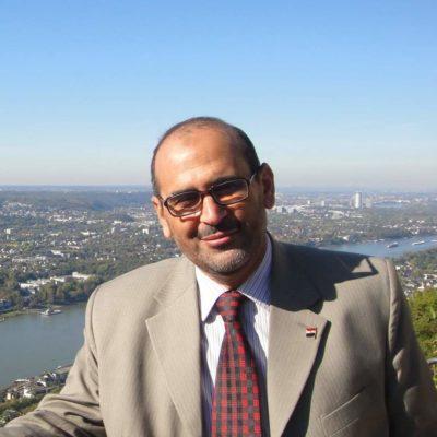 الدكتور حسن بخيت يكتب : الليثيوم .. المارد الذى قد ينهى عصر البترول هل تبوح الصحراء الغربية بأسرارها حوله