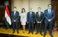 بالصور.. شاكر يلتقى مسئولى شركة شنايدر مصر وشمال افريقيا عقب توقيع اتفاقية انشاء 4 مراكز تحكم بقيمة 4.6 مليار جنيه