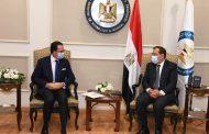 خلال استقباله السفير الفرنسي بالقاهرة  .. الملا يرحب بالشركات الفرنسية للاستثمار في مجال البترول والغاز في مصر