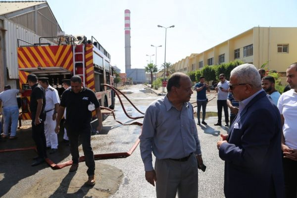 الحماية المدنية تسيطر على حريق بشركة السويس لتصنيع البترول