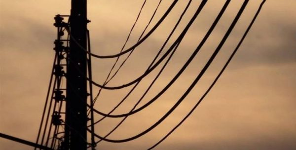 محافظة أسيوط تتعاقد مع مصر الوسطي لتوزيع الكهرباء لتوصيل المرافق للمنطقة الصناعية بعرب العوامر