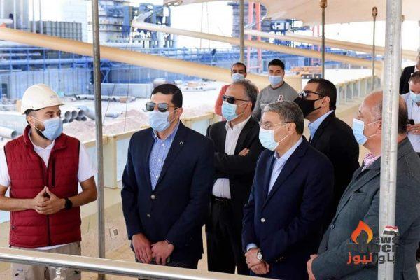 رئيس هيئة الاستثمار ومحافظ المنيا يتفقدان مشروع شركة