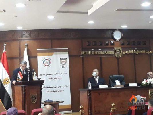 محمد شاكر: مصر تدرس رفع قدرة شبكات الربط الكهربائي مع الأردن وليبيا والسودان