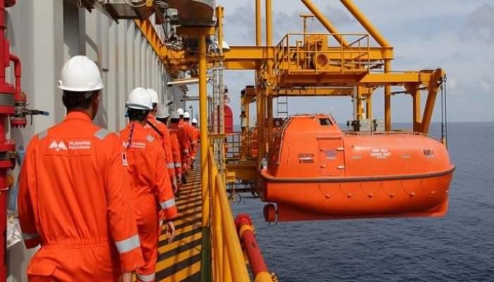 مبادلة للبترول تنقب عن النفط في مياه مصر بالبحر الأحمر