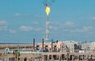 صور خاصة .. شعلة محطة معالجة الغازات بحقل ريفين تضييء منطقة الاسكندرية