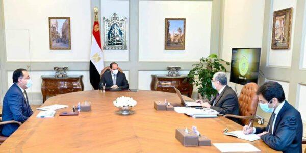 الرئيس السيسي يطلع على مخطط تطوير البنية الأساسية للكهرباء ضمن المشروع القومي لتطوير قرى الريف المصري في حضور شاكر