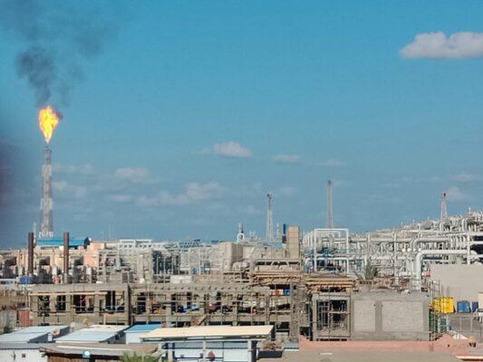 انفراد لـ باور نيوز .. خلال ساعات تشغيل محطة معالجة الغازات بحقل ريفين بطاقة 250 مليون قدم مكعب غاز و7500 برميل متكثفات يوميا