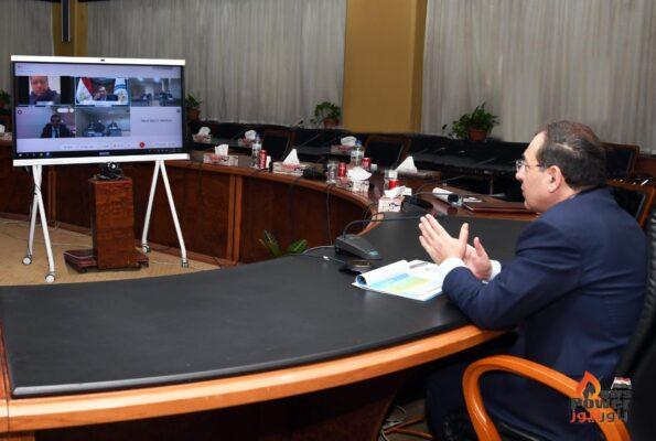 الملا يطلق برنامج  تنمية وتطوير القدرات البشرية بقطاع التعدين الذى تنفذه هيئة الثروة المعدنية بالتعاون مع إنبى