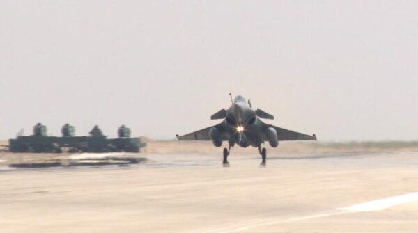 المتحدث الرسمي للقوات المسلحة : مصر وفرنسا توقعان عقد توريد 30 طائرة طراز رافال