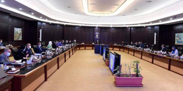 ٨٠٠ ألف موظف يستفيدون بالقرار.. مجلس الوزراء يوافق على مشروع قرار ترقية الموظفين