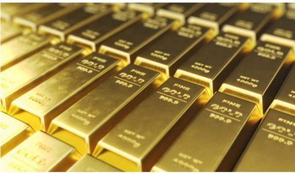 الذهب يخترق حاجز 1800 دولار مع تراجع الدولار وسط شكوك تحيط بتخفيف التحفيز